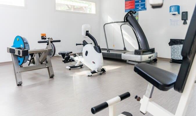 Salle de fitness musculation